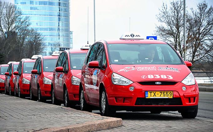 Red Cab - oficiālais festivāla SURVIVAL KIT taksometrs!